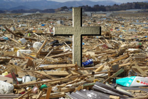 Cross in Rubble (from Rikuzentakata_filled_with_the_rubble by Mitsukuni Sato, Creative Commons Attribution License)